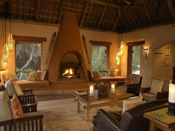 Simbambili Game Lodge - Lounge2